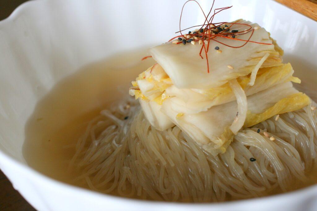 냉면 Naengmyeon 冷麺